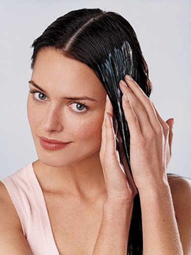 Chú ý những điều sau đây sẽ giúp bạn dùng dầu dưỡng tóc đạt hiệu quả cao nhất.
