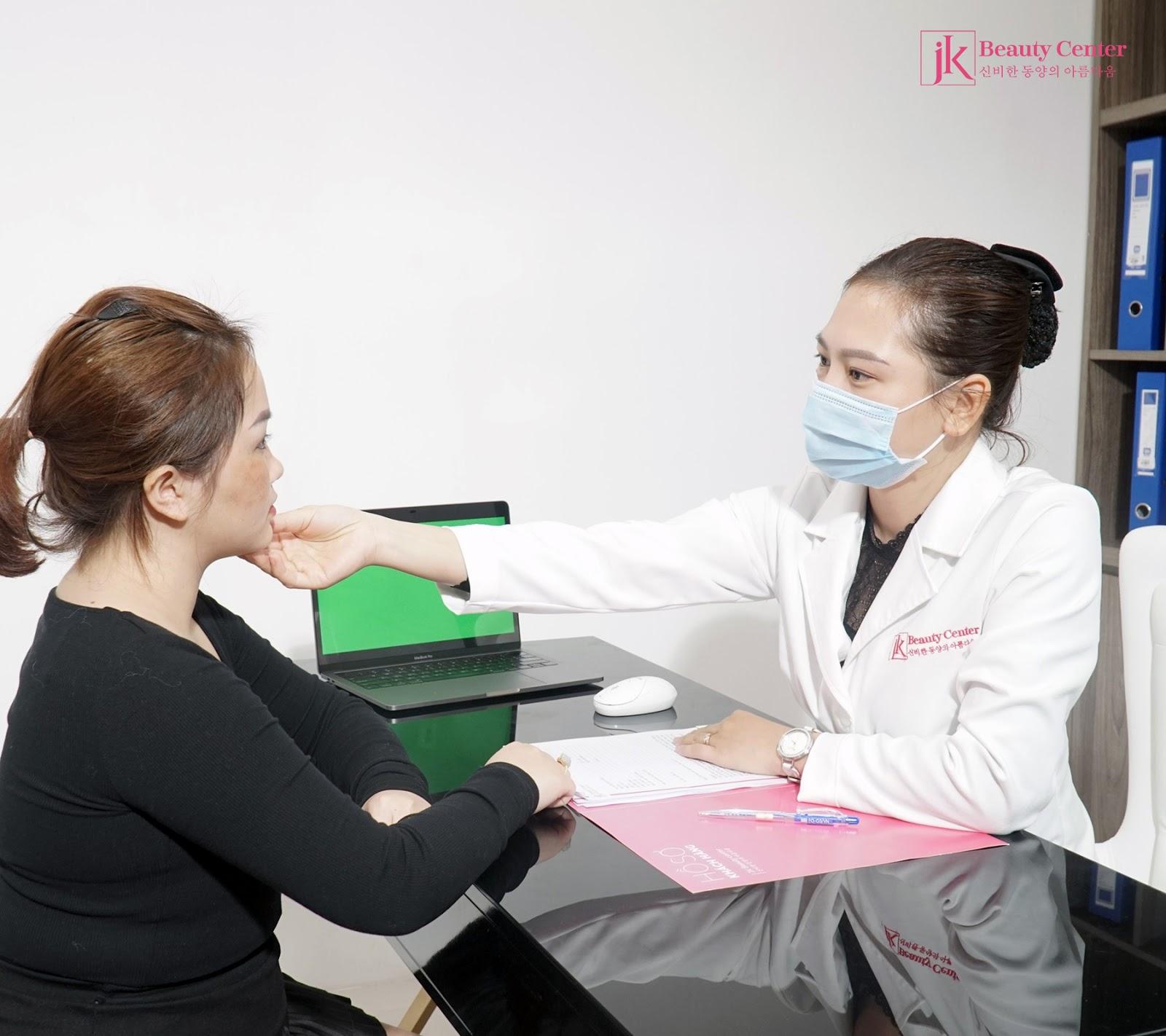 Phương pháp xóa nếp nhăn trên mặt và những điều bạn cần biết